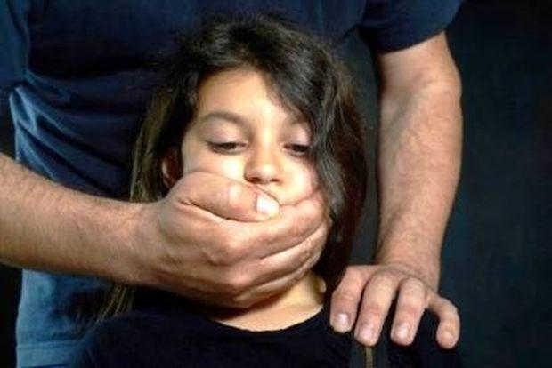 Θανατική ποινή ΤΩΡΑ, για παιδόφιλους και παιδεραστές!