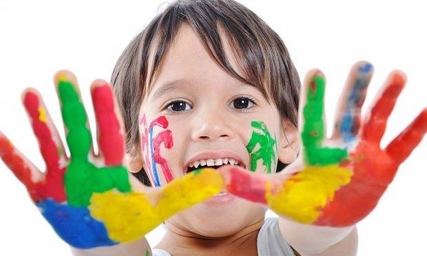 Τι σημαίνουν τα χρώματα που επιλέγει το παιδί σας για τη ζωγραφιά του