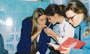 «Η έφηβη κόρη μου καπνίζει, πώς να το αντιμετωπίσω;»