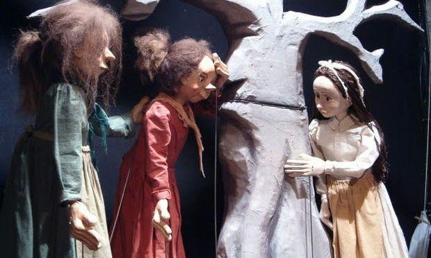 Τα μαγικά σεντούκια: παράσταση κουκλοθέατρου στο Εργαστήρι Μαιρηβή
