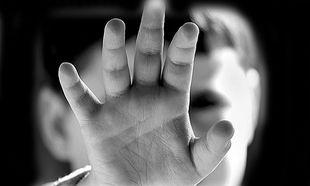 Μάθετε ποια είναι τα στοιχεία-ενδείξεις της παιδικής κακοποίησης