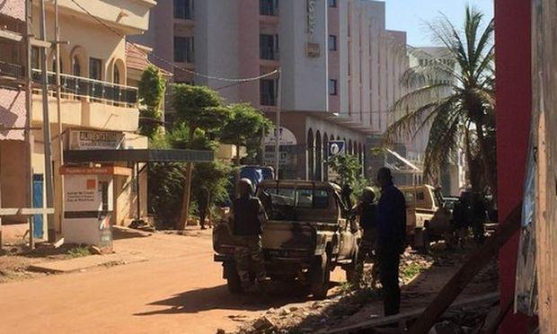 Μαλί: Ένοπλοι κρατούν ομήρους σε πολυτελές ξενοδοχείο της πρωτεύουσας (pics&vid)