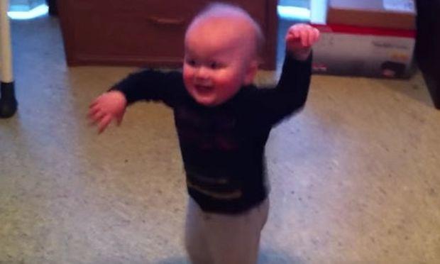 Απολαυστικό: Δείτε αυτά τα μωρά σε εννέα χορευτικές φιγούρες (βίντεο)