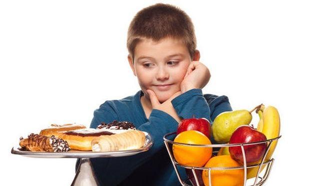 Γιατί τα παιδιά τρώνε λιχουδιές ακόμη κι αν δεν πεινάνε;
