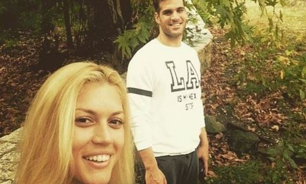 Βάσω Κολλιδά-Γιάννης Εμμανουηλίδης: Δείτε το ερωτευμένο ζευγάρι αγκαλιασμένο στην κρεβατοκάμαρά του