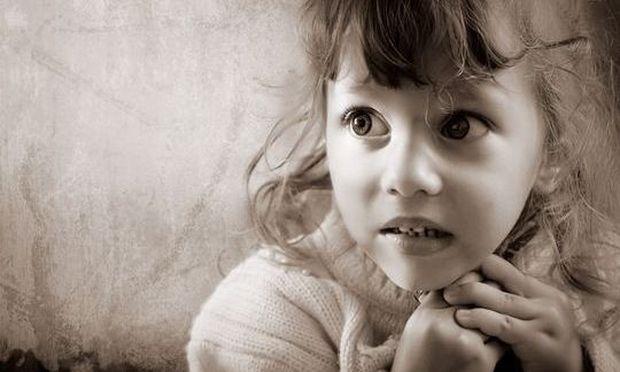 «Το παιδί μου φοβάται το...» Παιδικές φοβίες και πώς τις αντιμετωπίζουμε
