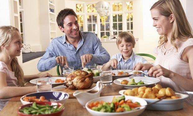 Το σπιτικό φαγητό αυξάνει τις σχολικές επιδόσεις