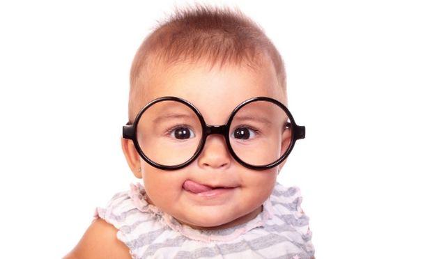 Οφθαλμικές σταγόνες: Πώς τις χρησιμοποιούμε σε ένα παιδί; Πρακτικές συμβούλες