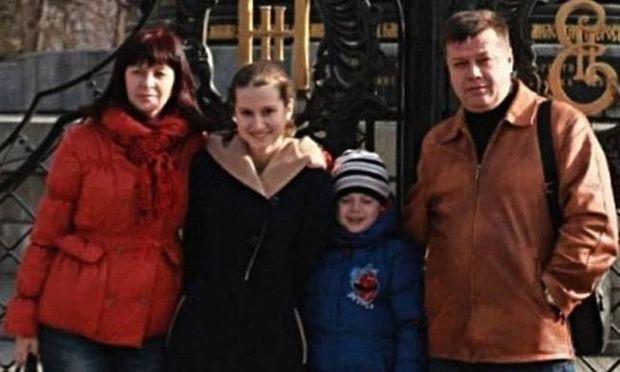 Τα παιδιά του Ρώσου πιλότου που έπεσε νεκρός στη Συρία ελπίζουν πως ο πατέρας τους ζει