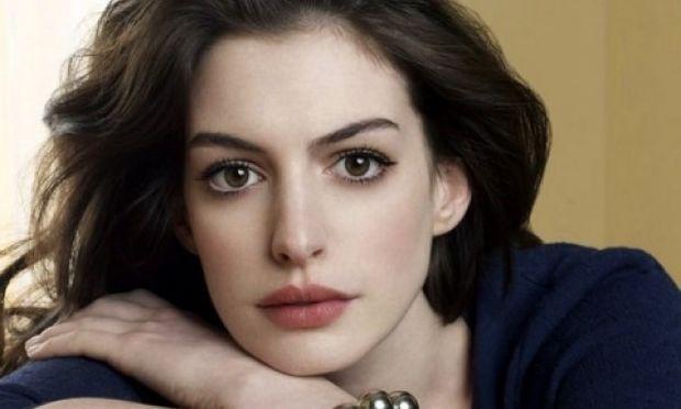Δείτε την Anne Hathaway στην πρώτη της εμφάνιση μετά την ανακοίνωση της εγκυμοσύνης!