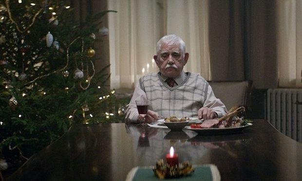 Πώς μία διαφήμιση θα σας κάνει να αλλάξετε τα σχέδιά σας για τα Χριστούγεννα (βίντεο)