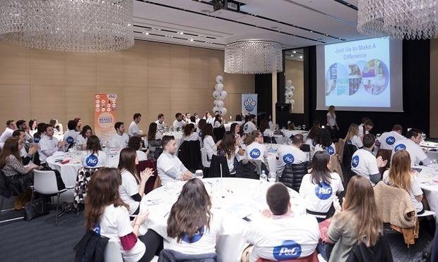 Το «σχολείο» της P&G ανοίγει τις πόρτες του για πρώτη φορά στη Βόρεια Ελλάδα και βοηθά ακόμα περισσότερους νέους να διεκδικήσουν τα επαγγελματικά τους όνειρα με μεγαλύτερες αξιώσεις.