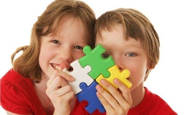 Λογοθεραπεία: Όλα όσα πρέπει να γνωρίζουν οι γονείς και πώς βοηθά τα παιδιά