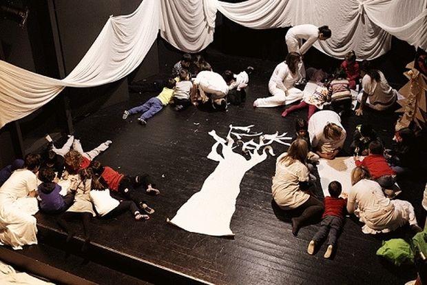 Χριστούγεννα στο Θέατρο της Ημέρας: Εργαστήρια και θεατρικά παιχνίδια για παιδιά