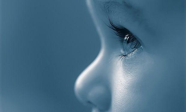 Ερεθισμένα μάτια παιδιών αλλά όχι κόκκινα. Τι συμβαίνει και τι πρέπει να κάνουμε;