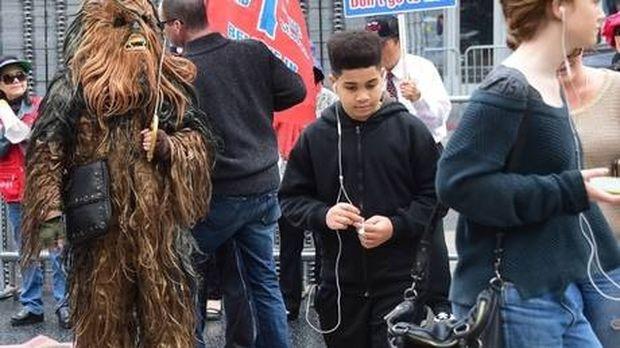 Ουρές στο Λος Άντζελες από φίλους της νέας ταινίας Star Wars