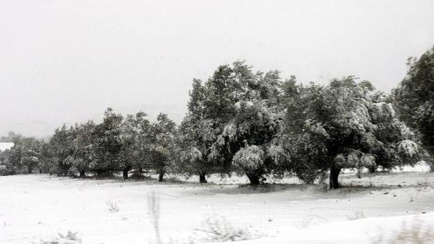 Ραγδαία επιδείνωση του καιρού με χιόνια στην Αττική