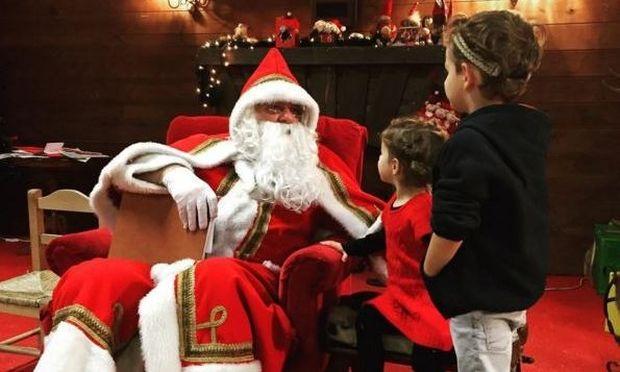 Κάτια Ζυγούλη-Σάκης Ρουβάς: Τα παιδιά τους επισκέφθηκαν τον Άγιο Βασίλη, μάθετε τι δώρα ζήτησαν!