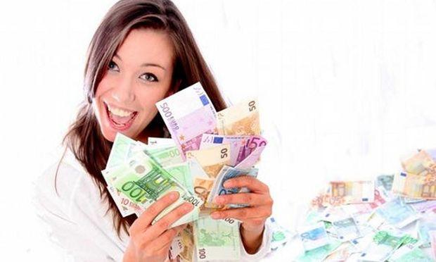Μία γυναίκα κέρδισε 2 εκατ. ευρώ στο λότο και ο σύζυγος δεν δικαιούται ούτε ...ευρώ
