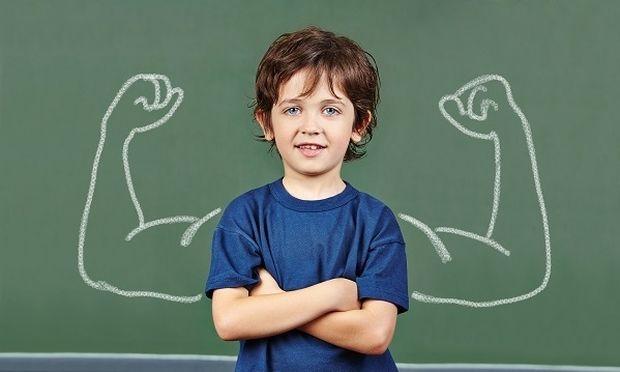Πώς μπορεί ένας γονιός να ενισχύσει την αυτοεκτίμηση του παιδιού του;