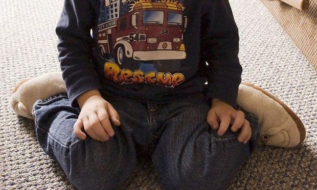 Μήπως το παιδί σας κάθεται σε θέση W; Τι πρέπει να γνωρίζετε