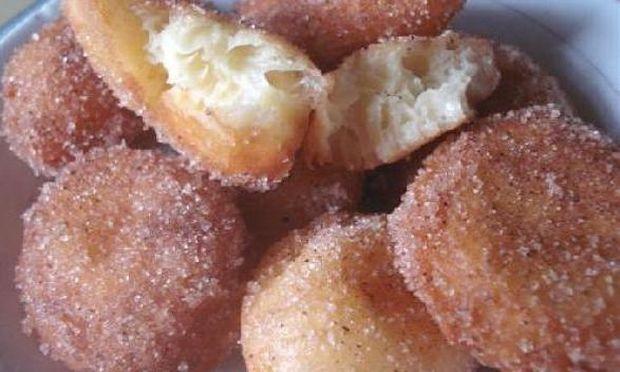 Αφράτα ψωμάκια με ζάχαρη και κανέλα (εικόνες βήμα-βήμα)