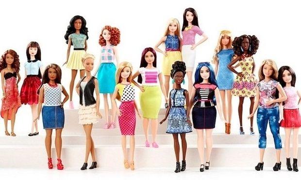 Ξεχάστε τη Barbie που ξέρατε. Αλλάζει σωματότυπο, μαλλιά και χρώμα!