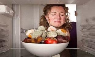 Πώς να εξαφανίσετε τις δυσάρεστες οσμές από το ψυγείο