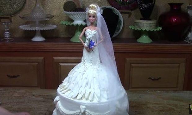 Τούρτα Barbie ντυμένη νύφη: Ακόμα κι αν δεν τη φτιάξετε πρέπει να τη δείτε! (βίντεο)