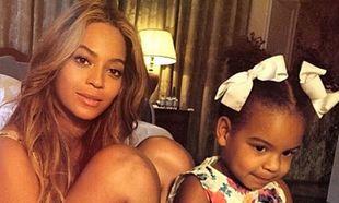 Έγκυος η Beyonce; Δείτε τη μαζί με την κόρη της να δίνει την απάντηση! (εικόνες)