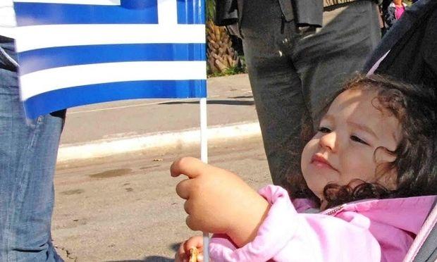«Tα παιδιά τους, να γίνουν παιδιά μας!» γράφει ο Νίκος Συρίγος
