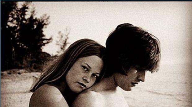 Αναγνωρίζετε την 16χρονη που ποζάρει γυμνή; Πρόκειται για αδημοσίευτη φωτογραφία διάσημης σήμερα ηθοποιού