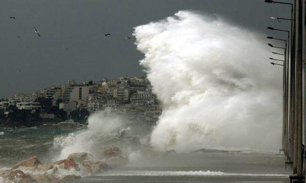 Καιρός: Η ΕΜΥ προειδοποιεί για ισχυρές καταιγίδες και αφρικανική σκόνη το Σάββατο