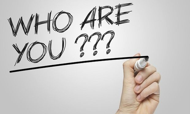 «Ποιος είσαι; Αυτός που θες εσύ ή αυτός που θέλουν οι άλλοι;»- Ένα κείμενο που όλοι πρέπει να διαβάσετε