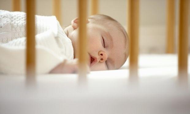 Επικίνδυνα ένα στα δύο παρκοκρέβατα για μωρά -Τι δείχνει πανευρωπαϊκή έρευνα