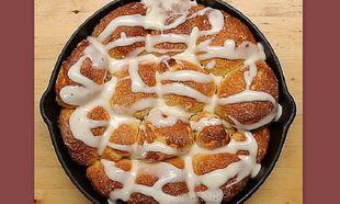 Ψωμάκια γεμιστά με σταφίδες και κρέμα τυριού! (βίντεο)