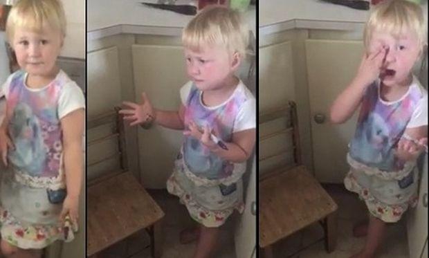 Το βίντεο που έγινε viral! Tο κοριτσάκι «μεταμόρφωσε» τη μικρή του αδερφή σε ζέβρα με έναν μαύρο μαρκαδόρο