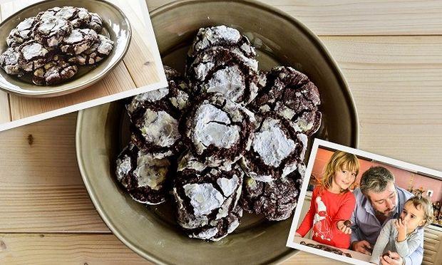Ραγισμένα μπισκότα διπλής σοκολάτας, από τον Γιώργο Γεράρδο και τις κόρες του!