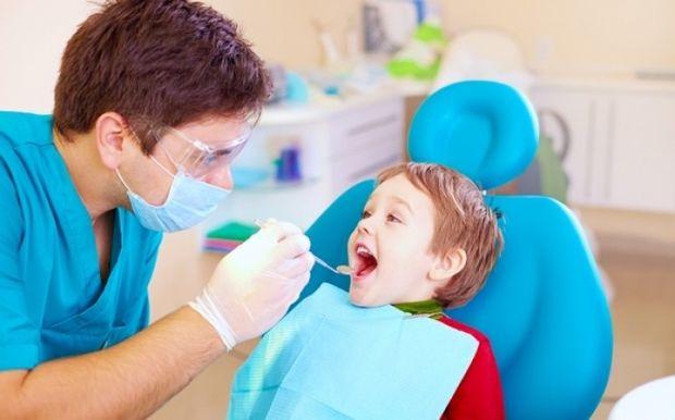 Πότε πρέπει να γίνεται η πρώτη επίσκεψη του παιδιού στον οδοντίατρο