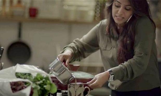 «Μοιράσου το φορτίο»-Ένα βίντεο που πρέπει να δουν γυναίκες και άνδρες (βίντεο)