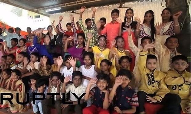 Απίστευτο: Σχολείο έχει 29 ζευγάρια διδύμων σε μία τάξη! (βίντεο)