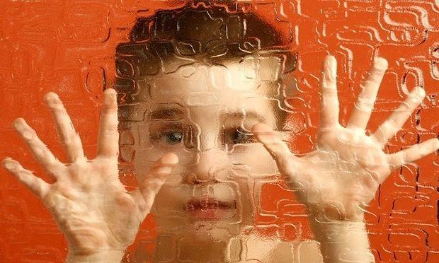 Έρευνα: Ο γενετικός κίνδυνος για αυτισμό υπάρχει σε όλους μας