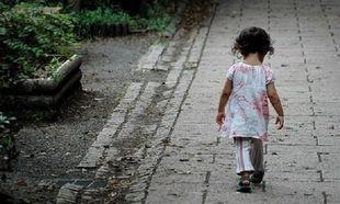 Η φτώχεια και οι ενδοοικογενειακές συγκρούσεις εξωθούν τα παιδιά να εγκαταλείψουν το σπίτι τους