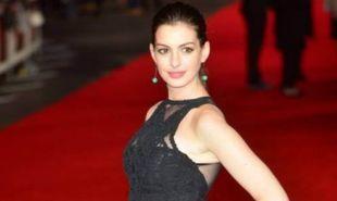Stop the Press: Η Anne Hathaway γέννησε και έφερε τη μεγάλη ανατροπή