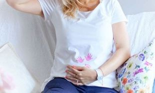 Ξανθιά Ελληνίδα παρουσιάστρια ανακοίνωσε την εγκυμοσύνη της, με τον πιο γλυκό τρόπο!