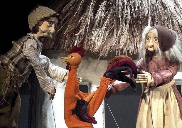 Ο μισοκοκοράκος για 3 Κυριακάτικες παραστάσεις στο Εργαστήρι Μαιρηβή