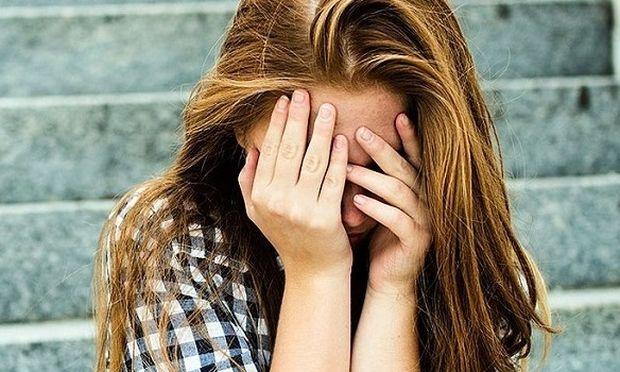Πώς πρέπει να αντιμετωπίσουν οι γονείς την πρώτη ερωτική απογοήτευση του παιδιού τους;