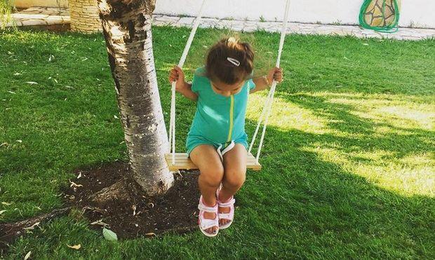 Έλενα Ταρασιάδη: Δείτε την κόρη της Δέσποινας Καμπούρη λίγο πριν μπει στο σχολικό!