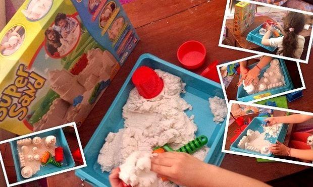 Super Sand: Αυτό είναι το δώρο που θα κρατήσει τα παιδιά σας απασχολημένα για πάνω από 1,5 ώρα!