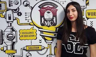 H Κωνσταντίνα Σκυλλά από την Περιφέρεια Βορείου Αιγαίου ευχαριστεί τον Εκπαιδευτικό Όμιλο ΞΥΝΗ για την υποτροφία που της άλλαξε τη ζωή